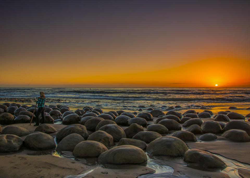 Bowling-beach-sunset-man_BPS6845-1.jpg