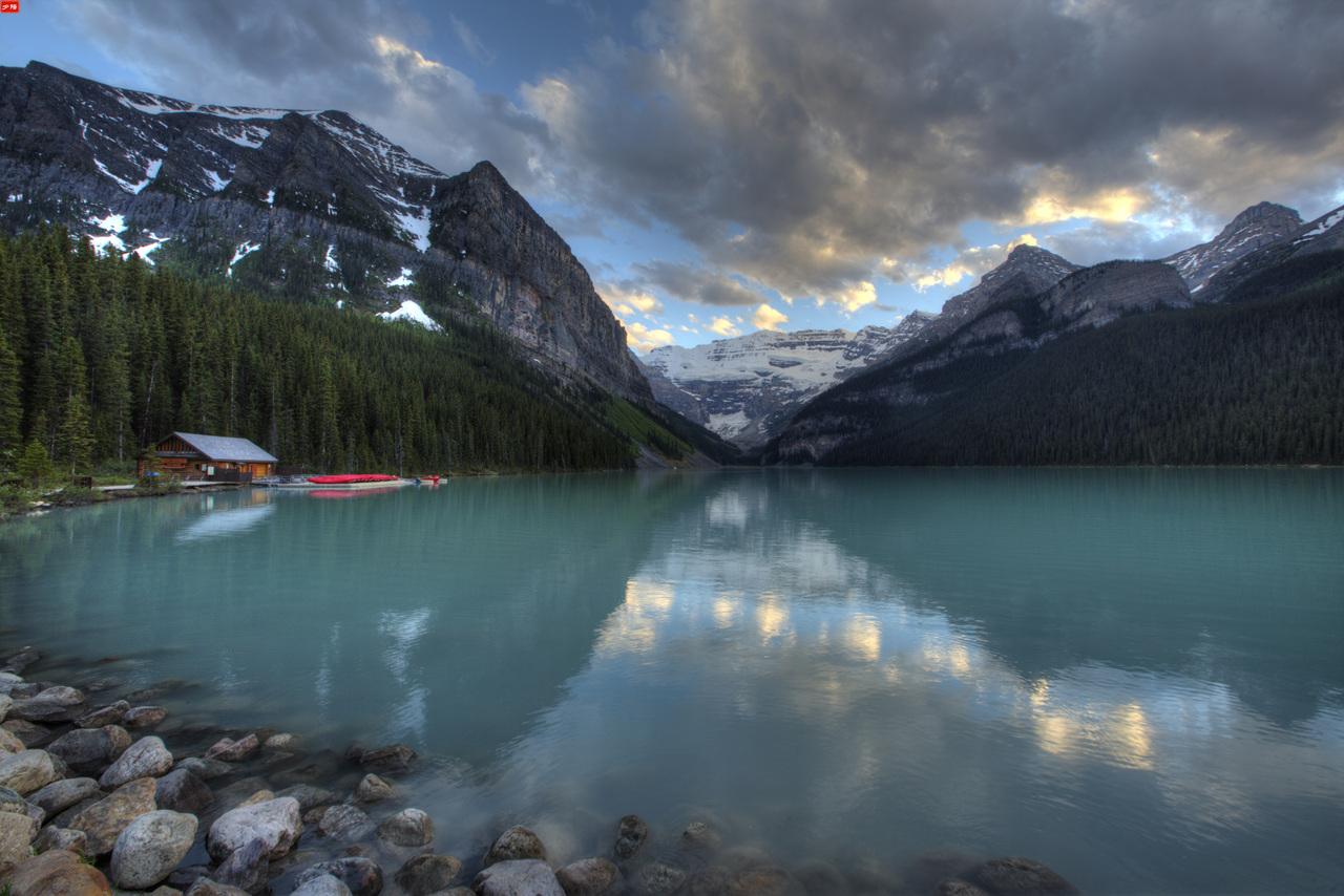 Lake Louise-j.jpg